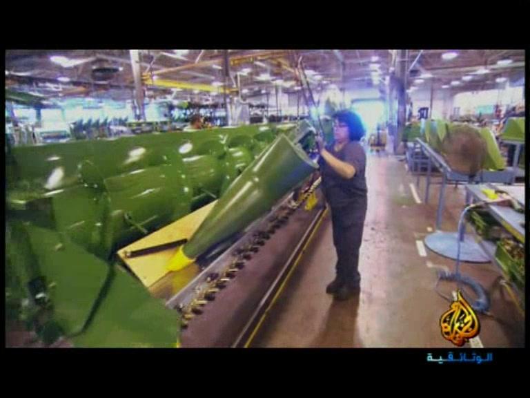 مصانع عملاقة متطورة