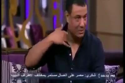 هشام الجخ يخبر منى الشاذلي عن القصائد اللي مخبيها