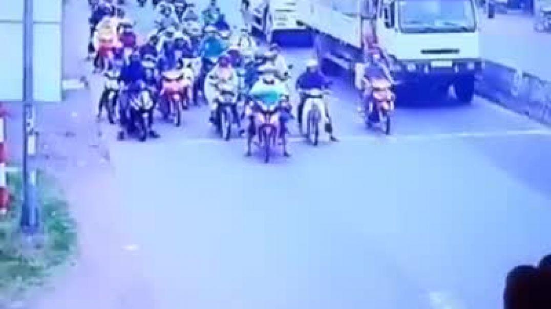 حادث مروري يوادي إلى قتل العشرات