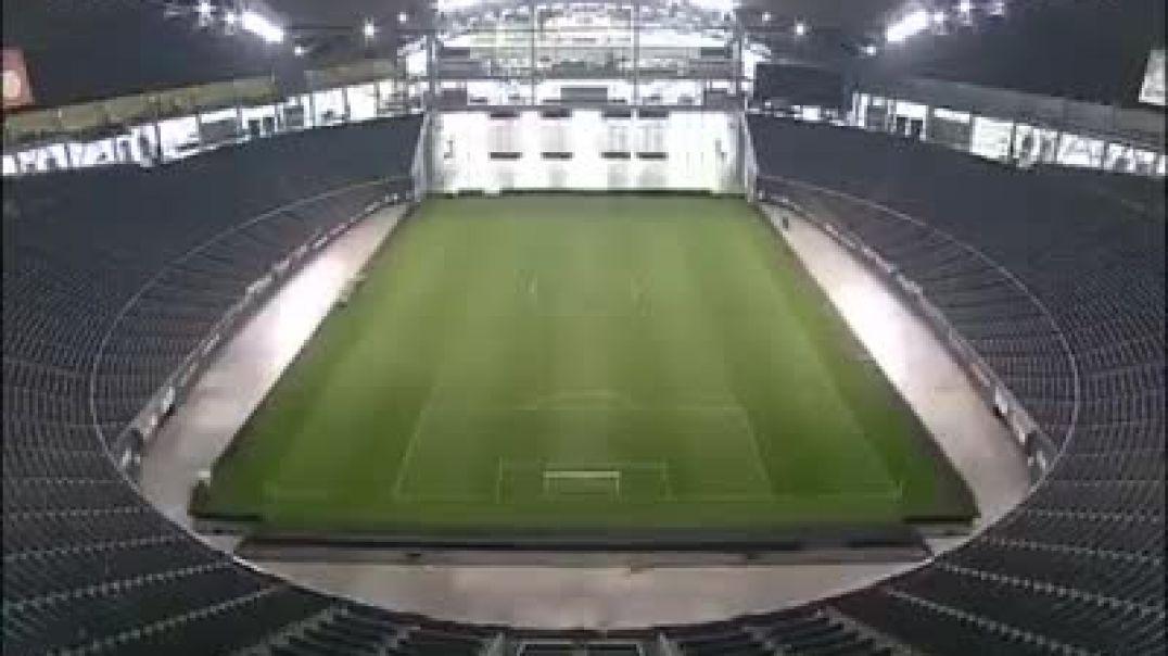 فقط في كوكب#اليابان تحويل الملعب