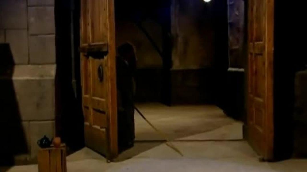 مشهد قوي من باب الحارة وكشف الجاسوس الفرنسي صطيف الاعمى من قبل ابو عصام