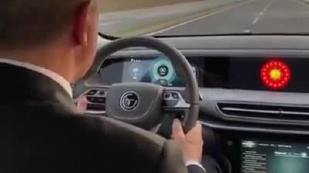 الرئيس التركي رجب طيب أردوغان يقود أول سيارة