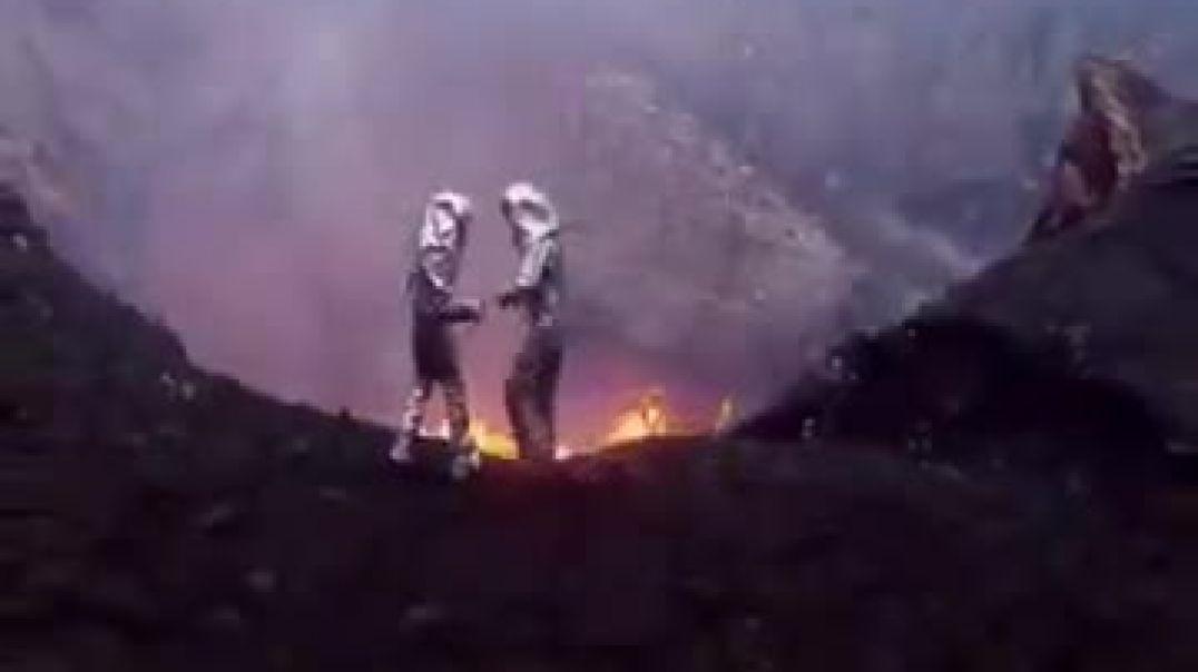 مقطع يصف نار جهنم وبئس المصير يتكلم عن عذاب النارمقطع مواثر.