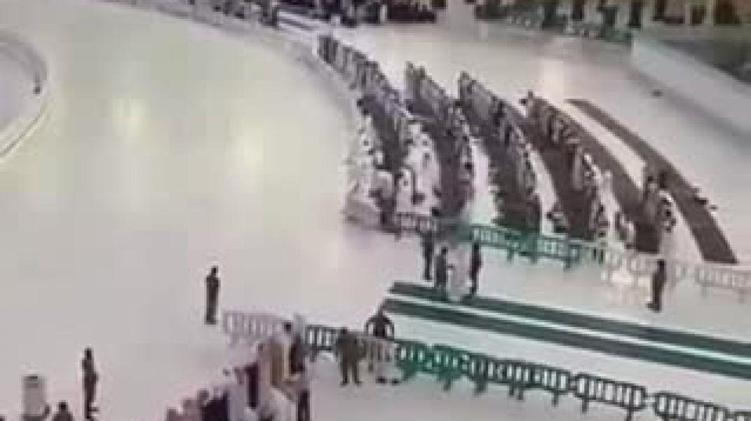 ⭕️بالفيديو : صلوة الجمعة اليوم في الحرم المكي.