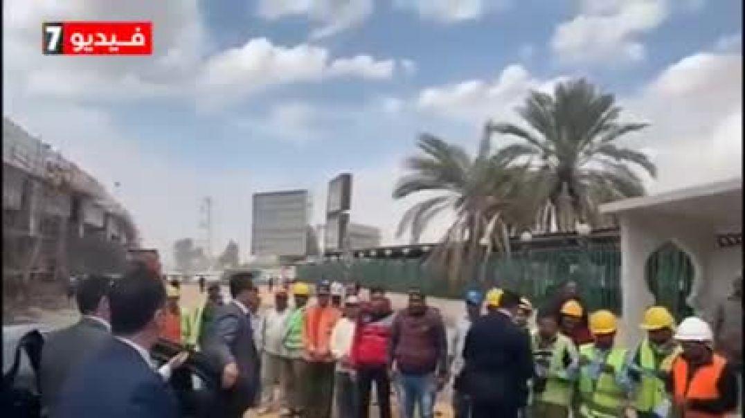 شاهد غضب الرئيس السيسى بسبب عدم أرتداء العمال بأحد المشروعات  للكمامات