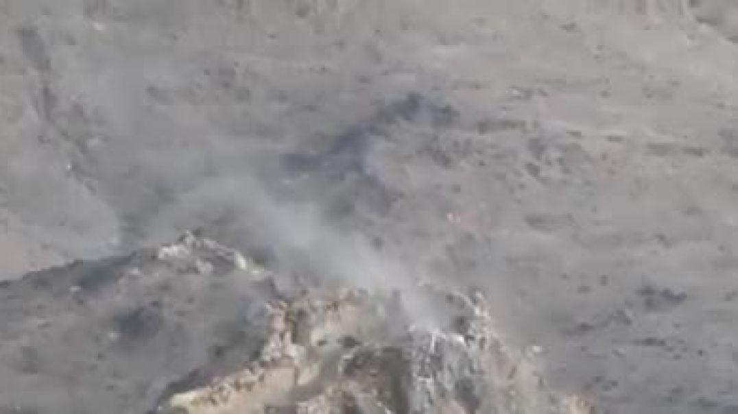 شاهد اشتباك بين الجيش الوطني ومليشيات الحوثي وجه لوجه