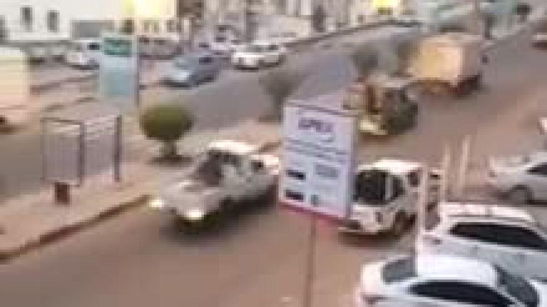 عمليات نهب من داخل البنك المركزي اليمن في عدن من قبل مليشيات الانتقالي