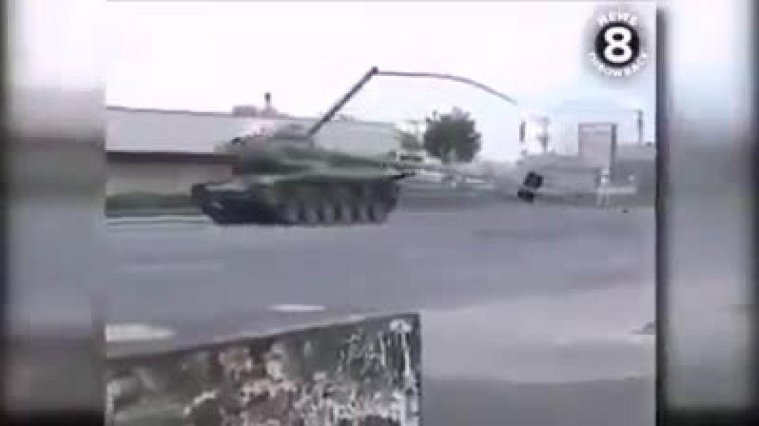 الشرطة الأمريكية تلاحق موطن سرق دبابة
