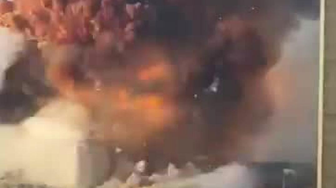 انفجارات ضخمة تحرق مرفأ لبنان والمصابين با المئات